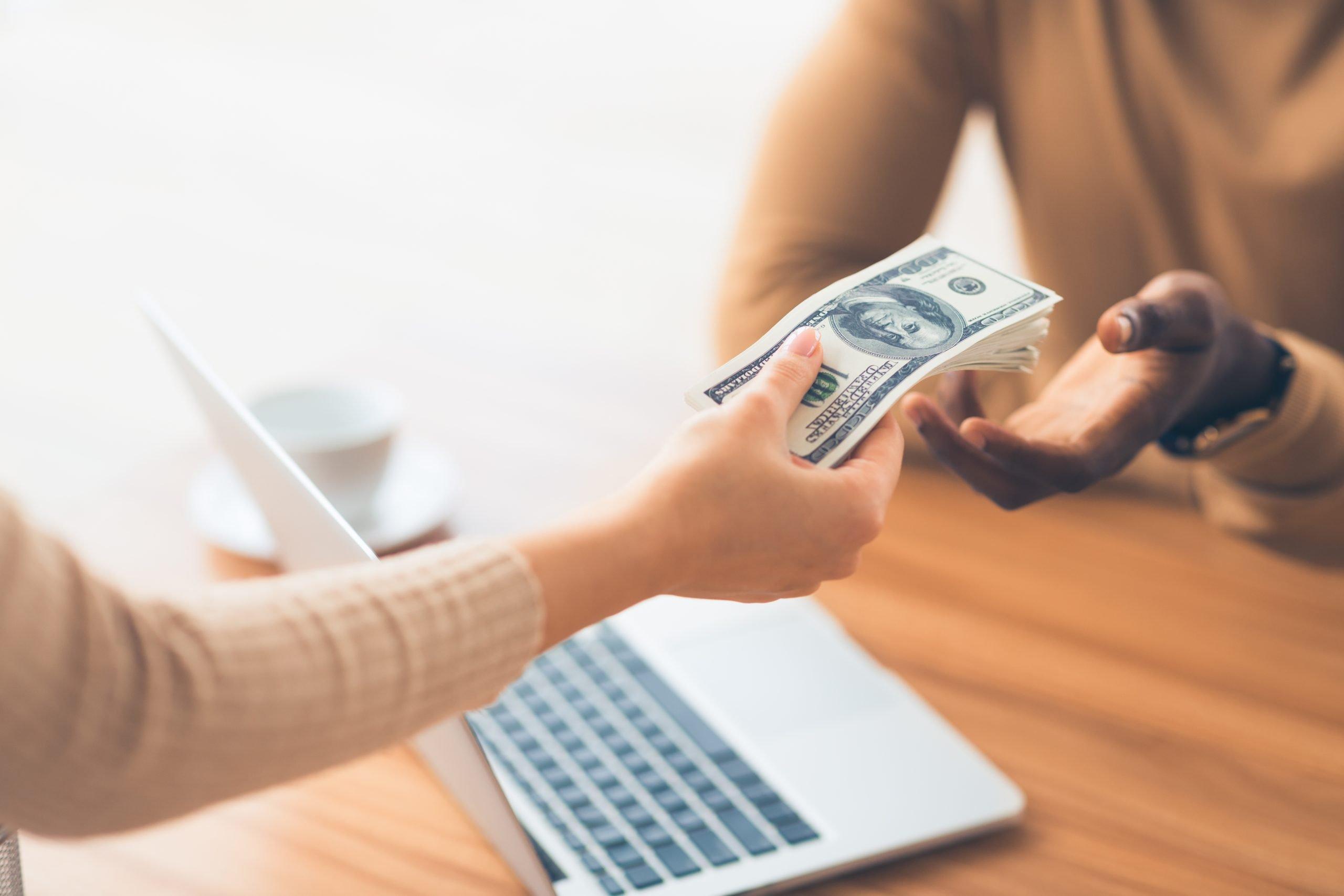 Baixo juros: a maior vantagem de contratar um empréstimo consignado